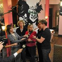 Cafe Hon, after the make-over. Here Chef Gordon Ramsay and owner Denise Whiting take part in a press conference. (Courtesy Baltimore Sun/Amy Davis)