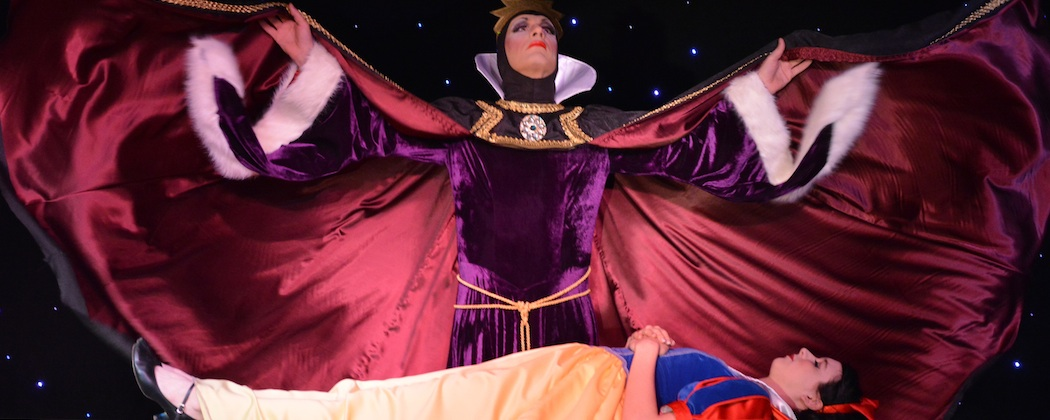 "Ryan Landry as the queen and Jessica Barstis as Snow White in Landry's ""Snow White and the Seven Bottoms"" at Machine. (Michael von Redlich)"