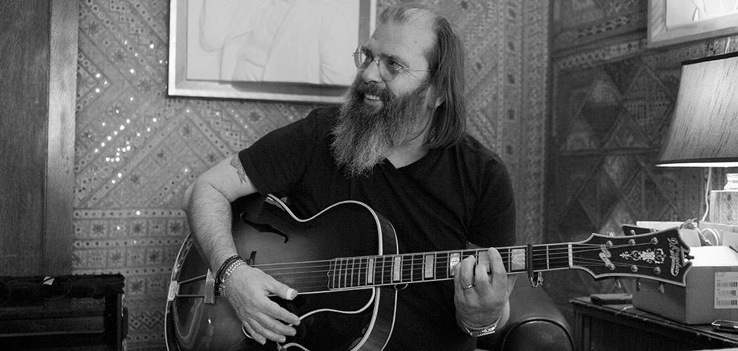 Steve Earle. (Ted Barron)