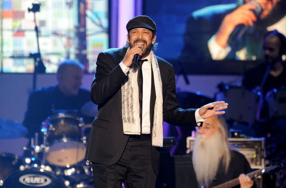 "Juan Luis Guerra performs ""Lindeza"" at the 2012 Latin Recording Academy Person of the Year Tribute to Caetano Veloso at the MGM Grand Garden Arena on Wednesday, Nov. 14, 2012, in Las Vegas. (Powers Imagery/Invision/AP)"