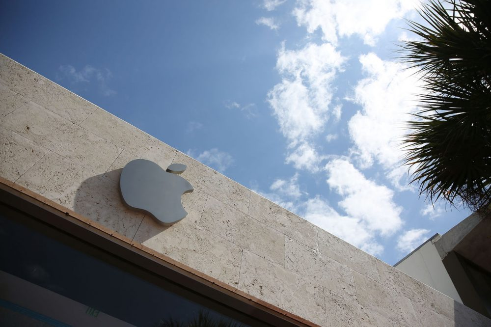 An Apple sign is seen outside of a store  on April 26, 2016 in Miami Beach, Florida.  Investors are awaiting Apple Inc. scheduled reporting today of its fiscal quarter that ended March 26.  (Joe Raedle/Getty Images)