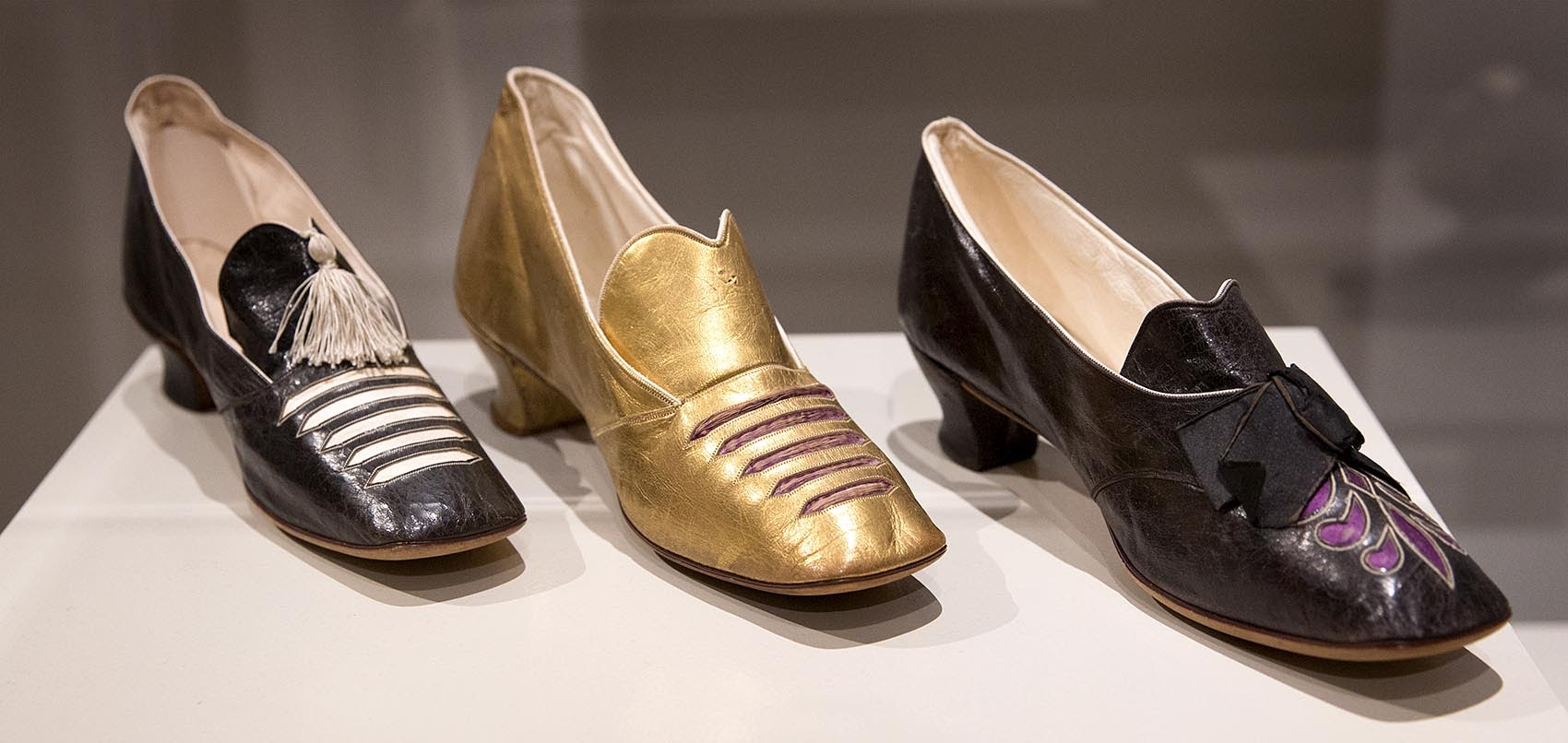 shoes college essay What you don't get a second chance at though, is your college application essay  put yourself in the admissions officer's shoes, sitting at a desk.