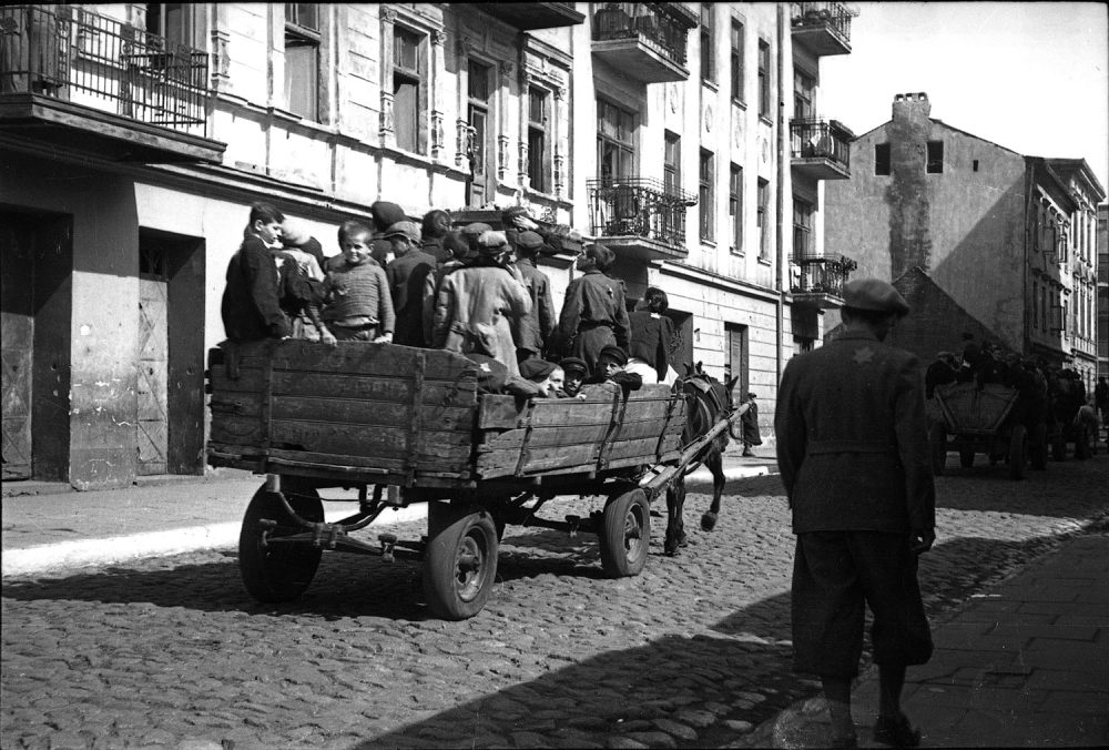 Henryk Ross' photo of Lodz Ghetto children being transported to the Chelmo nad Nerem death camp, 1942. (Courtesy, Museum of Fine Arts, Boston)
