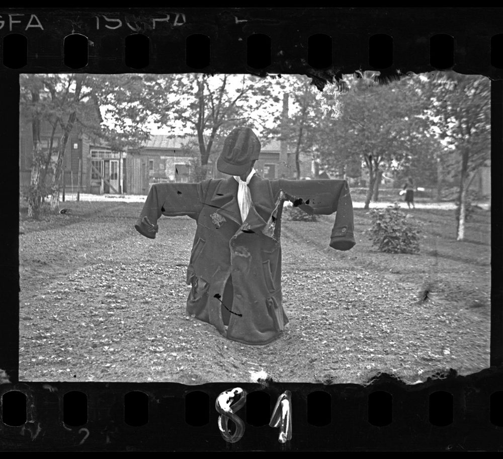 Henryk Ross photo of a Lodz Ghetto scarecrow with Star of David, c. 1940-1944. (Courtesy, Museum of Fine Arts, Boston)