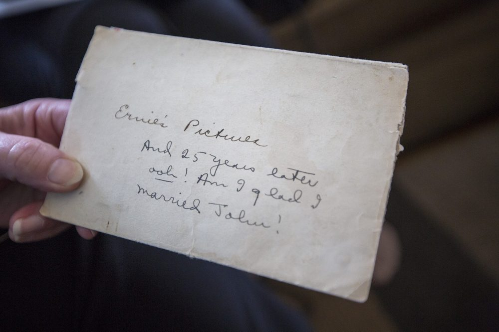 A note written by Frances Coates on the back of an envelope containing photographs of Hemingway. (Jesse Costa/WBUR)