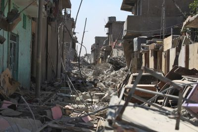 Debris covers a street of Mosul's Old City on June 21, 2017, during the ongoing offensive by Iraqi forces to retake the last district still held by the Islamic State (IS) group. (AFP/Getty Images)