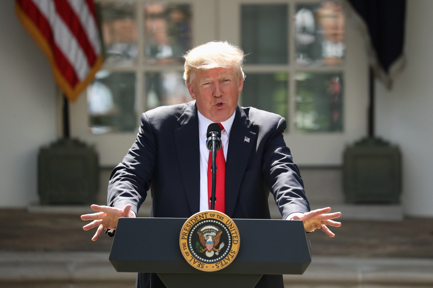 role of the us president The role and functions of the presidency draft t his chapter considers the three types of presidential power, the roles the president plays in the american political system, the support.