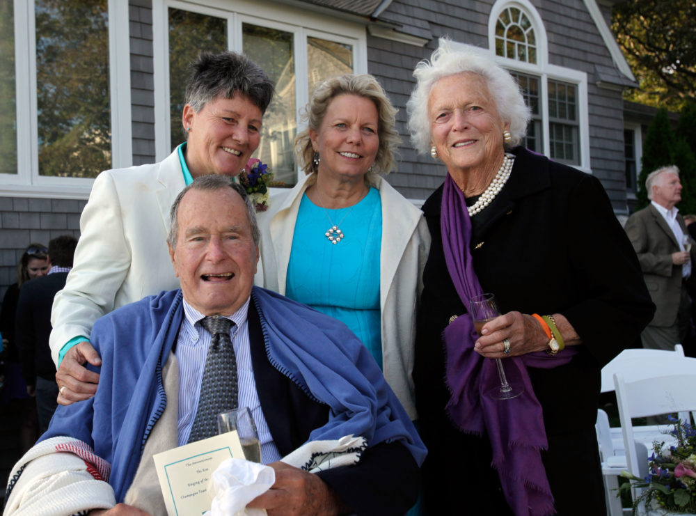 Kennebunkport Couple Mourns Death Of George H W Bush Witness At