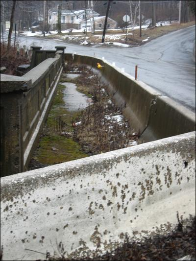 One sidewalk on the bridge is closed completely. (Fred Thys/WBUR)