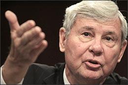 Former Senator Bob Graham of Florida testifies on Capitol Hill on Dec. 11, 2008. (AP)