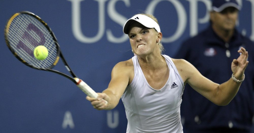 Melanie Oudin hits a forehand in her US Open match on September 9, 2009.