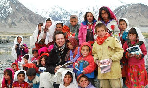 "Greg Mortenson with Sitara ""Star"" Schoolchildren. Afghanistan. (Central Asia Institute/ikat.org)"