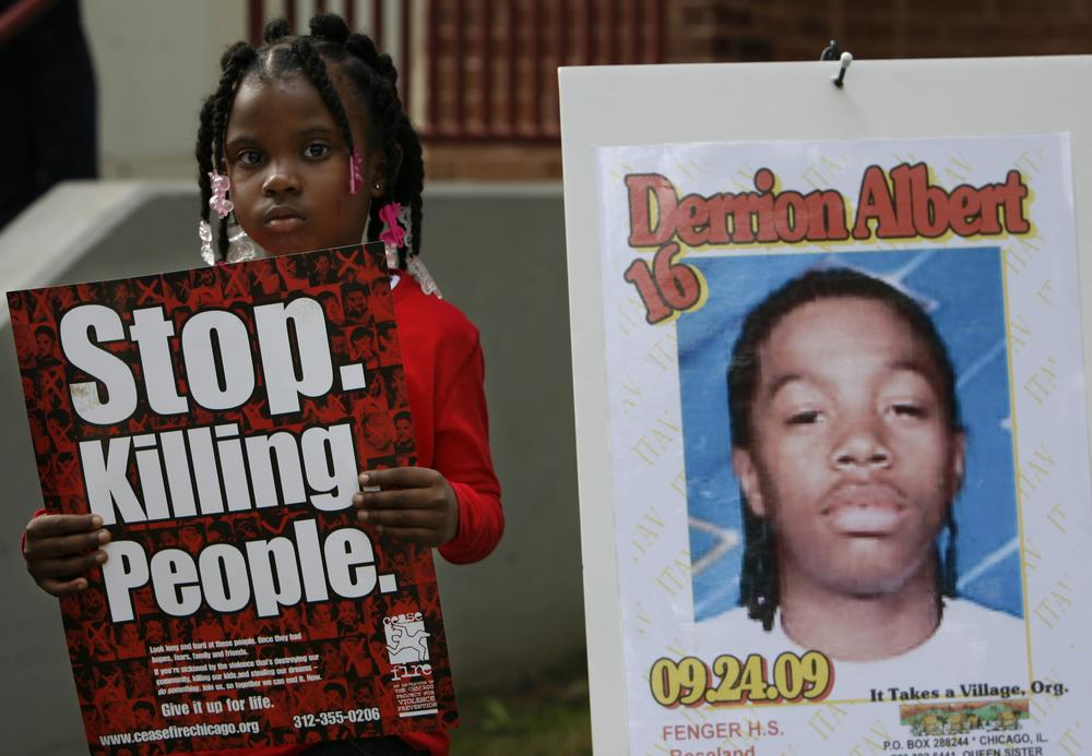 Nadashia Thomas, a cousin of Derrion Albert, at Fenger High School  in Chicago, Sept. 28, 2009. (AP)
