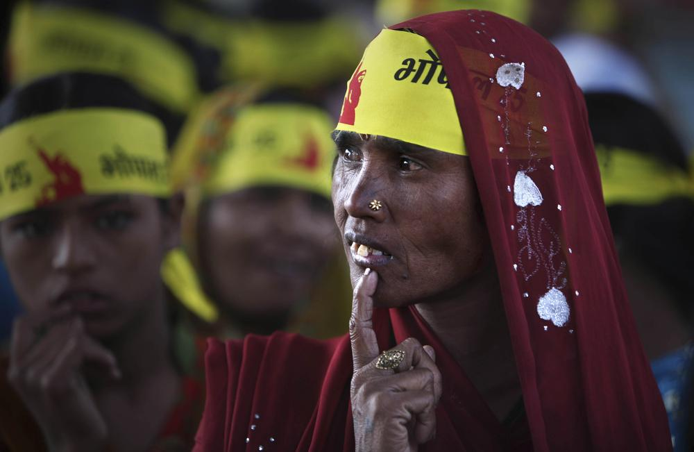 A woman gestures during a protest to mark the 25th anniversary of the disaster in Bhopal, India, Thursday, Dec. 3, 2009. (AP)