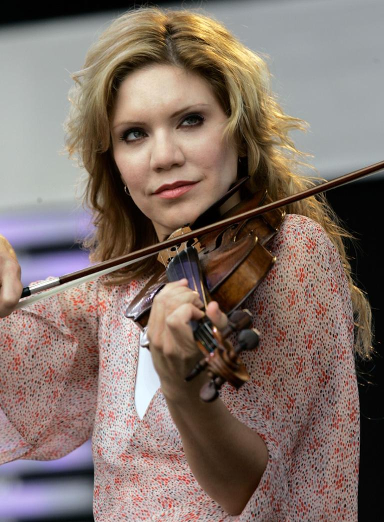 Rounder Records artist Allison Krauss performs at the Crossroads Guitar Festival in Chicago. (AP)