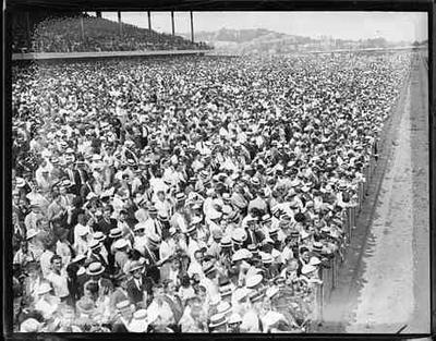 The crowd at Suffolk Downs, 1935 (Courtesy of Suffolk Downs)