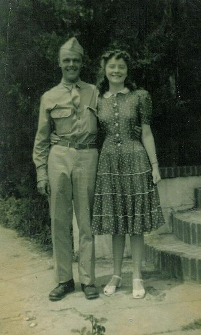 Cpl. Richard Loring with his niece, Jean Cole Lowe, in the early 1940s. (Click to enlarge)