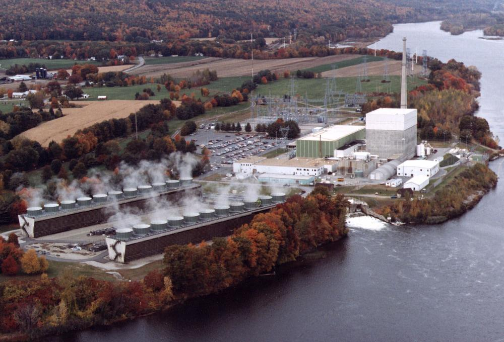FILE - This is undated file photo shows aerial view of the Vermont Yankee nuclear power plant in Vernon, Vt.  (AP Photo/Vermont Yankee Corporation,File)