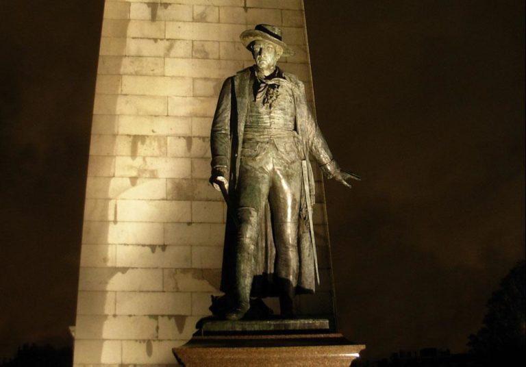 A William Prescott statue at Bunker Hill Monument (brewbooks/Flickr)