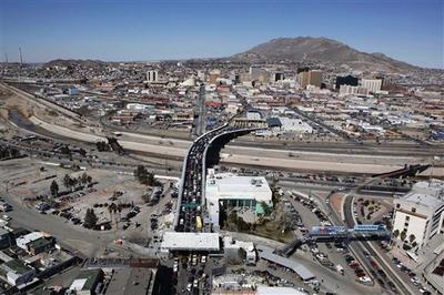 A view of Santa Fe bridge that links the Mexican city of Ciudad Juarez, bottom, with the U.S. city of El Paso.  (AP)