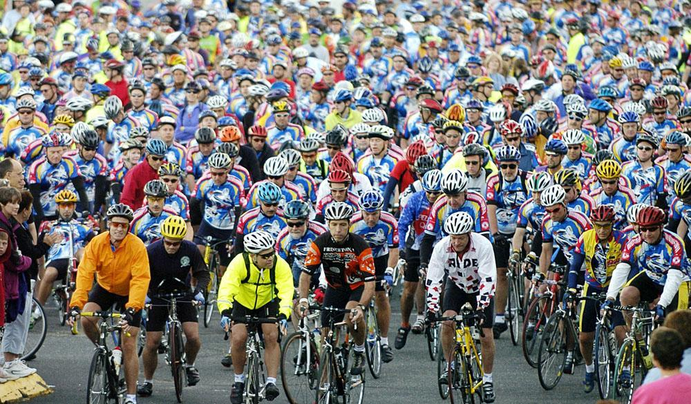 Hundreds of cyclists leave the starting line at the 25th annual Pan-Massachusetts Challenge in 2004. (AP/Pan Mass Challenge)