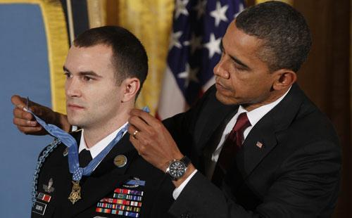 President Obama presents the Medal of Honor to Army Staff Sgt. Salvatore Giunta at the White House, Nov. 16, 2010. (AP)