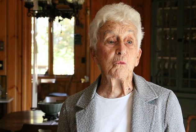 Alba Thompson, 92, of Plymouth, served under General Douglas MacArthur in Japan and South Korea. (Kirk Carapezza for WBUR)