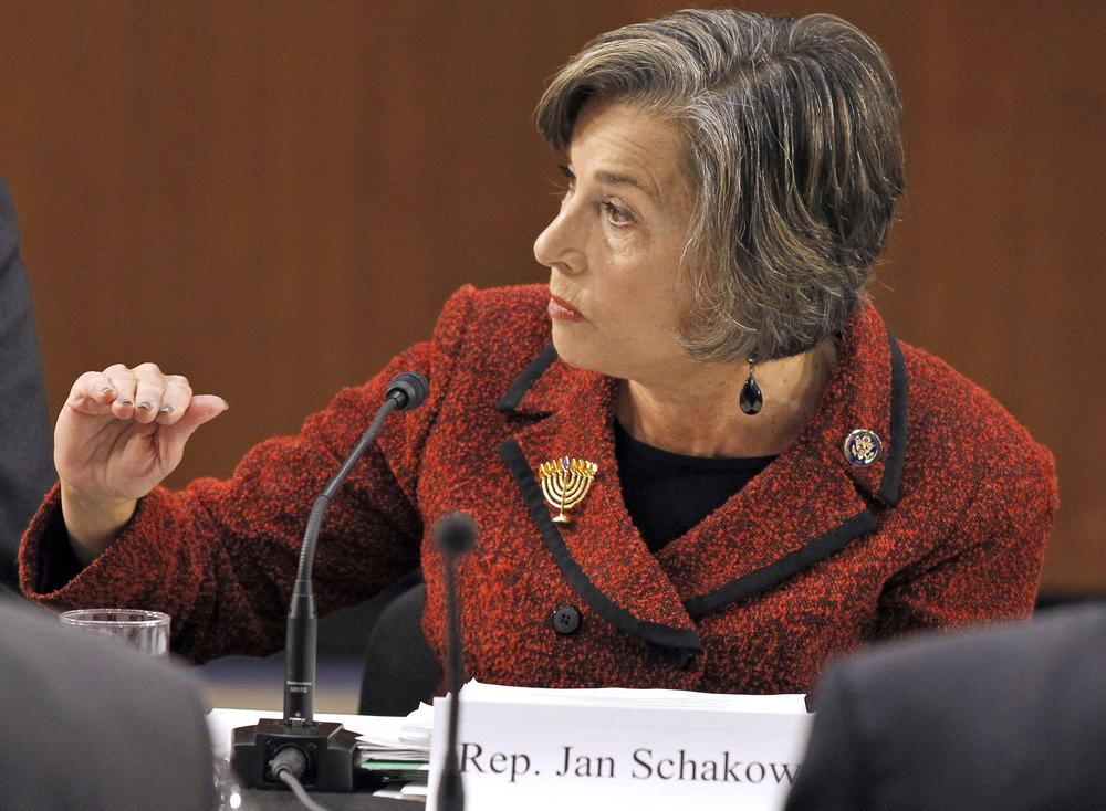 Debt Commission member Rep. Jan Schakowsky, D-Ill., speaks during a meeting of the commission on Capitol Hill in Washington. (AP)
