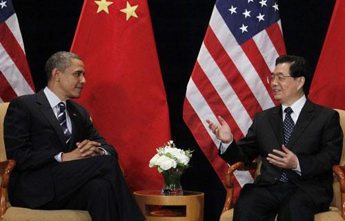 President Barack Obama with China's President Hu Jintao in South Korea, Nov. 11, 2010. (AP)