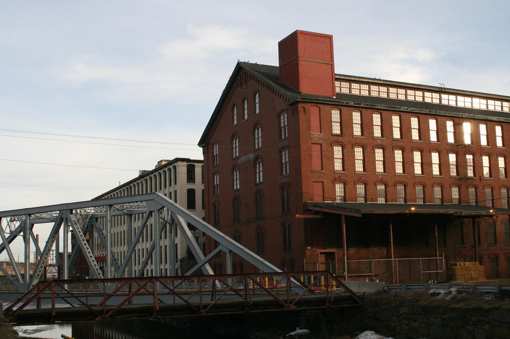 The Pemberton Mill in Lawrence, MA was built shortly after the collapse of the first.(Flickr/djprybyl)