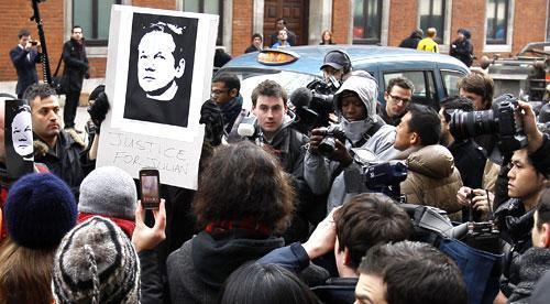 Media and demonstrators in London, Dec. 7, 2010, where WikiLeaks founder Julian Assange was denied bail. (AP)