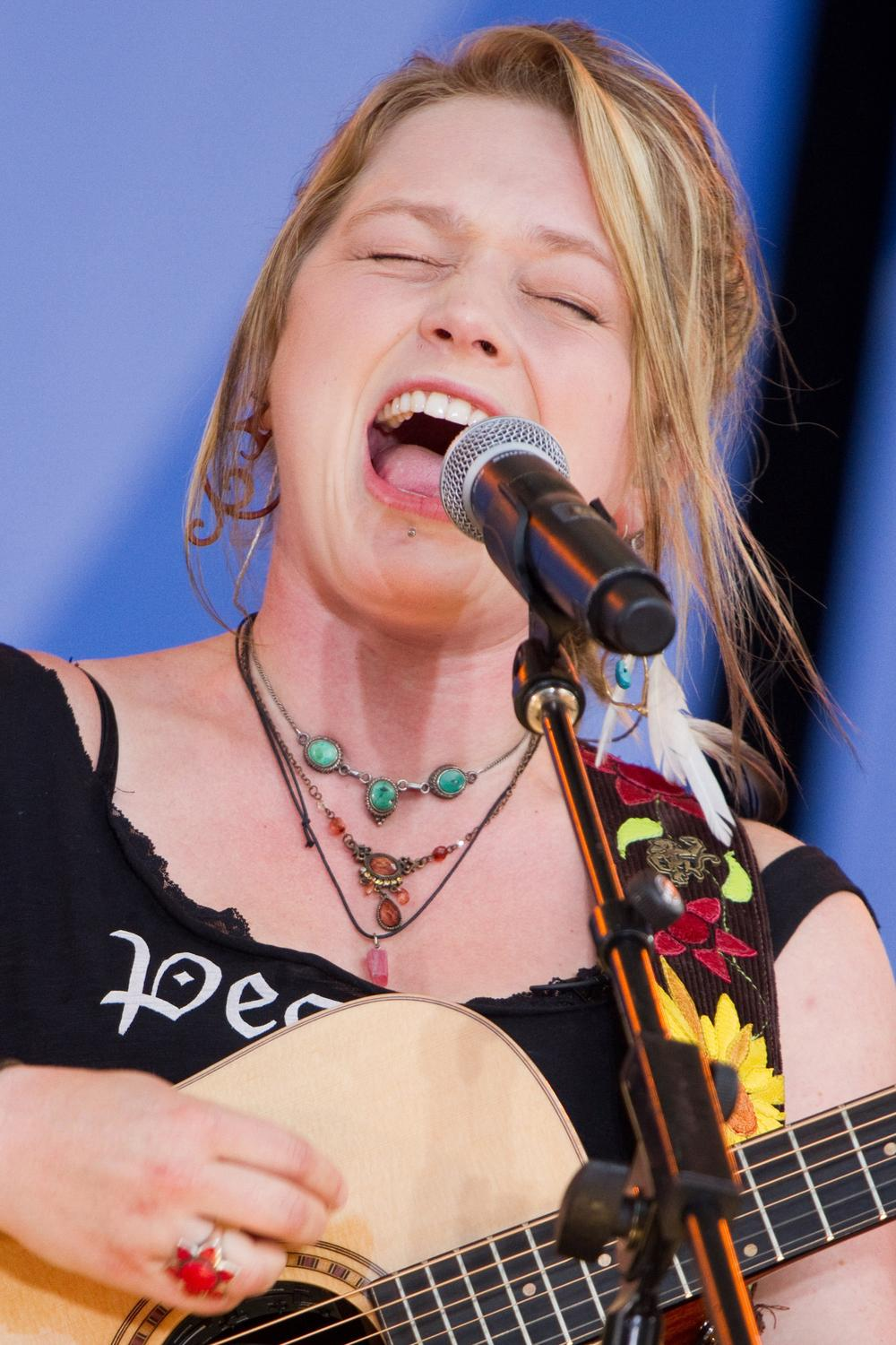 "American Idol runner-up Crystal Bowersox performs in Central Park, on ABC's ""Good Morning America"" show. (AP)"