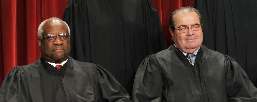 Justices Clarence Thomas (left) and Antonin Scalia. (AP)