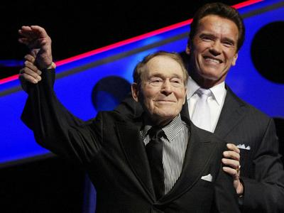 In this March 5, 2005 photo, Jack LaLanne, left, jokes around with California Gov. Arnold Schwarzenegger. (AP)
