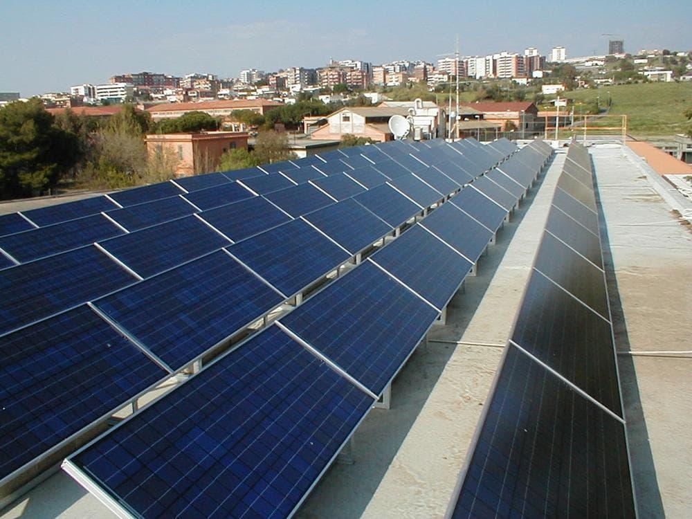 Evergreen solar panels installed on technical high school near Rome. (PRNewsFoto/Evergreen Solar, Inc.)