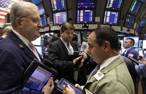 Traders work on the floor of the New York Stock Exchange, Jan. 3, 2011. (AP)