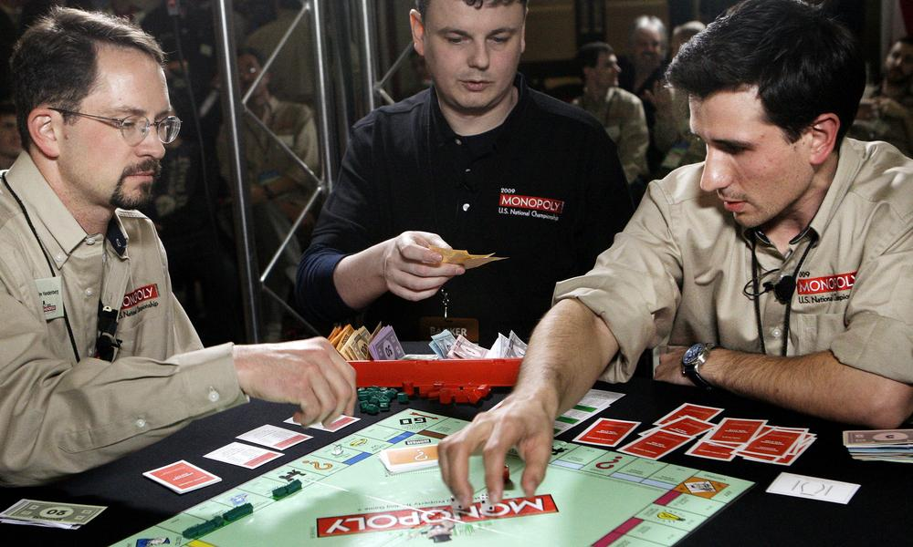 Contestants look to be crowned champion at the 2009 Monopoly World Championship in Las Vegas. (AP)