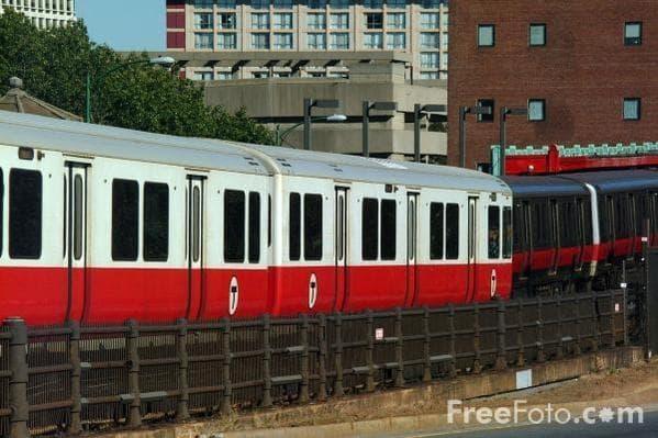 The Red Line near Massachusetts General Hospital