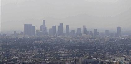 Smog over downtown Los Angeles.(AP)