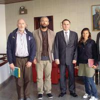 New York Times journalists Stephen Farrell, Tyler Hicks, Ambassdor Levent Sahinkaya, Lynsey Addario and Anthony Shadid pose at the Turkish Embassy in Tripoli, Libya after their release on March 21. (AP)