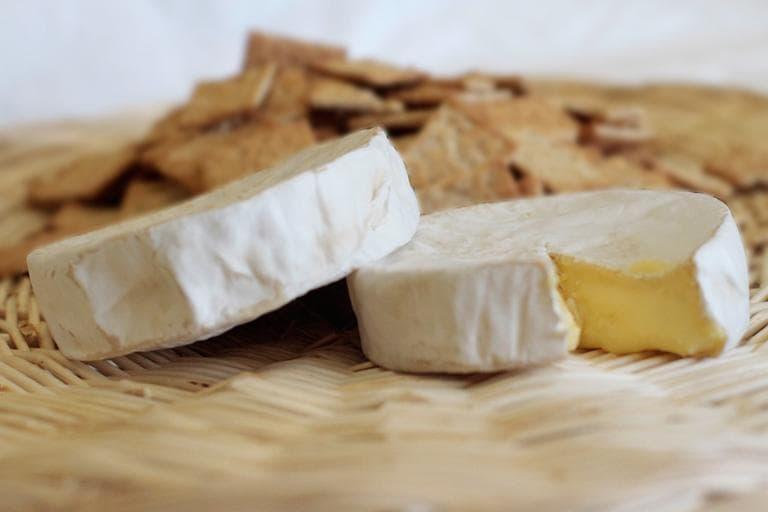 Cheese, fresh from Kurtwood Farms (Jesse Costa/WBUR)