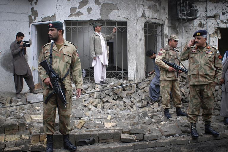 Pakistan army soldiers cordon off the area of bombing in Quetta, Pakistan  on April 7, 2011. (AP)