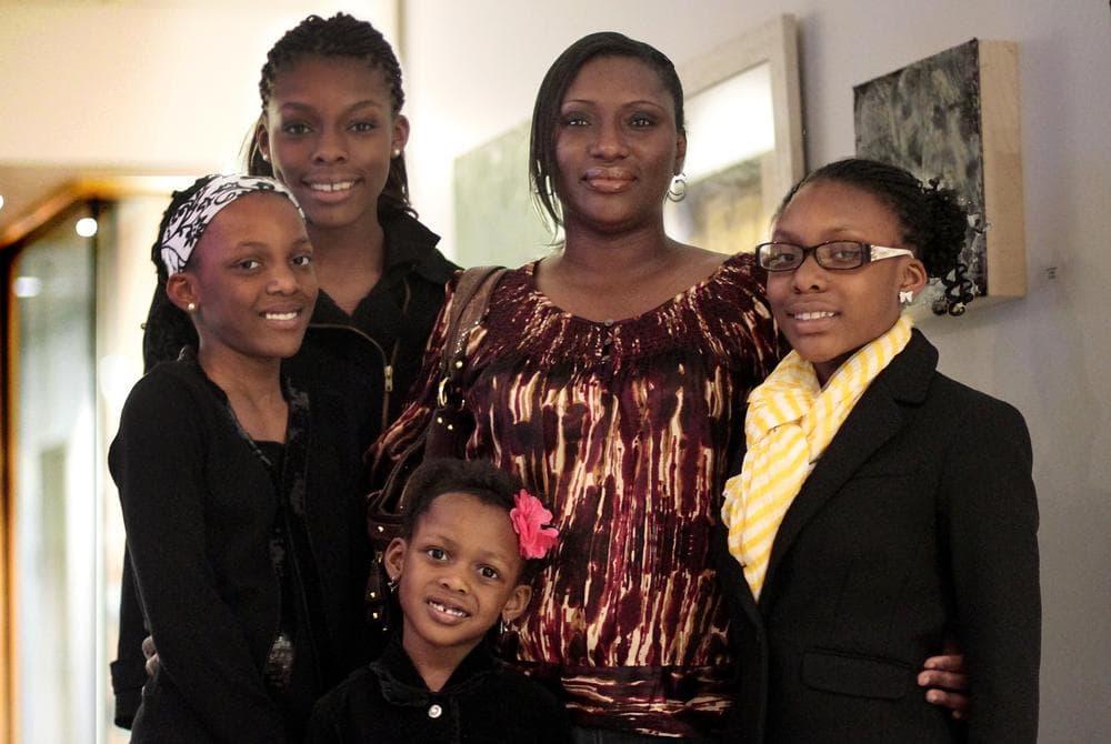 Clockwise from left, Olayeni Oladipo, Olamide Oladipo, mother Yemi Oladipo, Oladunni Oladipo and Olajuwon Oladipo. (Jesse Costa)