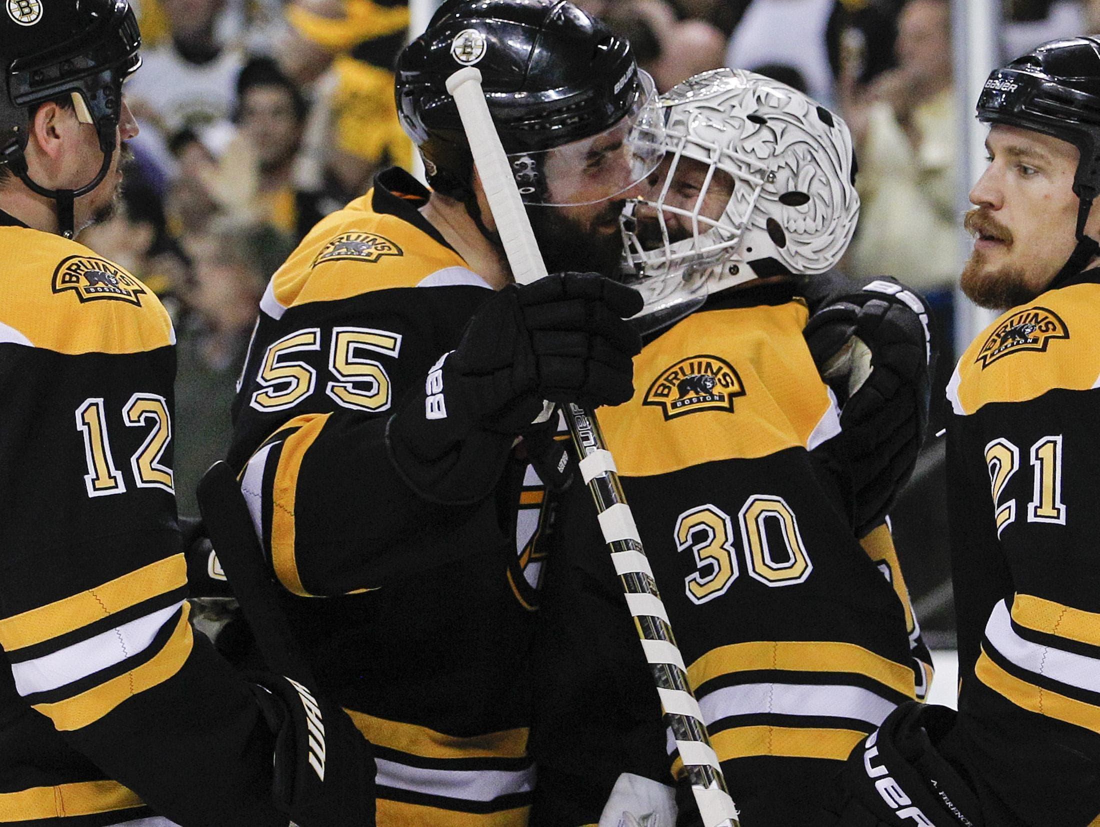Bruins Batter Canucks 5 2 Force Game 7 Wbur News