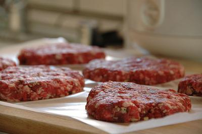 Defrosted hamburger appears to be the latest source of  E. coli infections