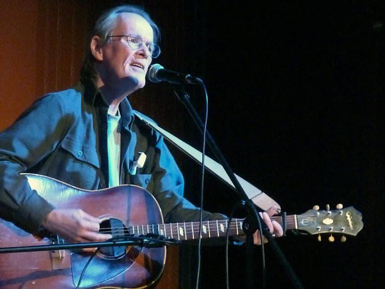 Bill Morrissey performs at the Amazing Things Arts Center in Framingham in April. (DanTappan/Flickr)