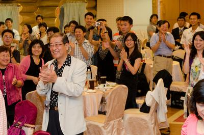 A meeting of the Taipei Toastmasters club. (flickr/Jon@the@nC/Jonathan Chen)