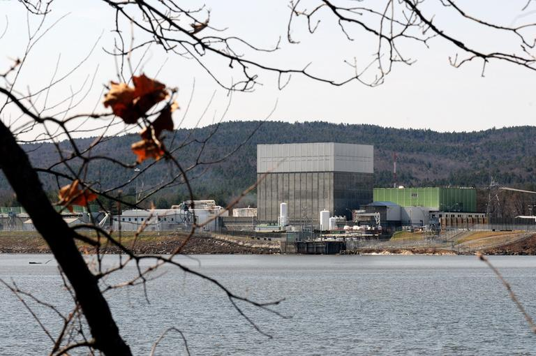 The Vermont Yankee nuclear power plant on the banks of the Connecticut River in Vernon, Vt. is seen in April. (AP)