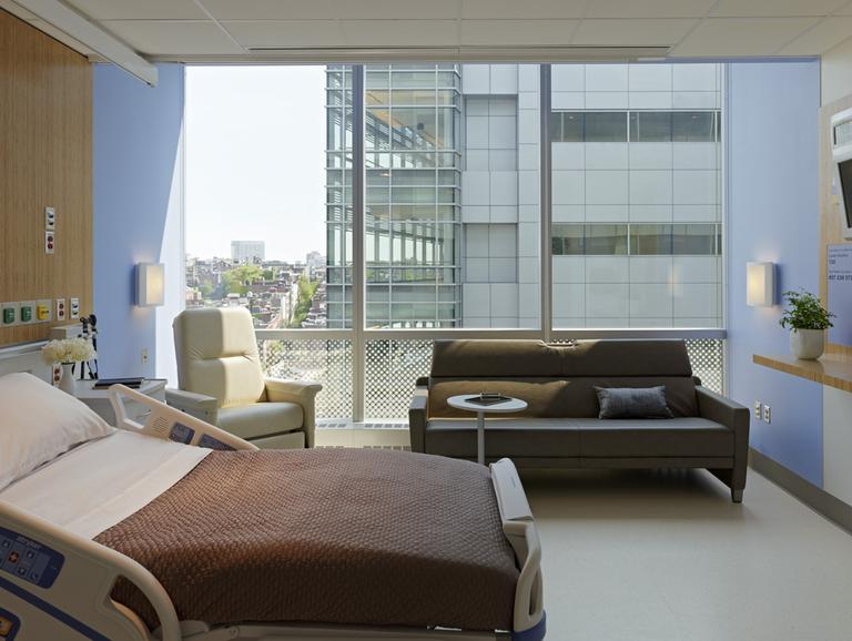 The Lunder Building at Massachusetts General Hospital features 150 private rooms. (Courtesy MGH)