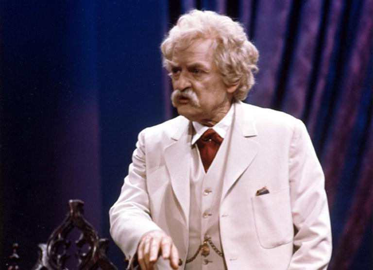 """Hal Holbrook in his iconic role in """"Mark Twain Tonight!"""" Holbrook has performed this one-man show since 1954. (AP)"""